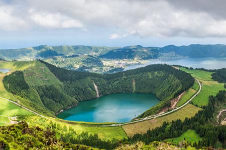 L'Arcipelago delle Azzorre: le isole di Atlantide tra vulcani, natura e oceano